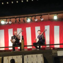 お祭りにて津軽三味線の演奏