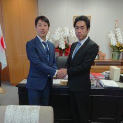 文部大臣 政務官 白須賀貴樹 先生